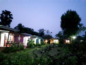 Chomnok Chommai Resort - Nang Rong