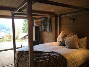 Luxury Chalet with Sauna, Hot Tub and Mountain View Close to Slopes - Hotel - Klosters