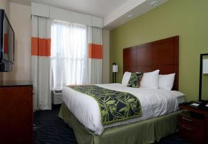 Fairfield Inn & Suites by Marriott Alamogordo, Отели  Аламогордо - big - 19