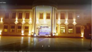 Auberges de jeunesse - NRI Rasoi Restaurant, Banquet & Rooms