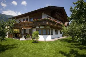 Ferienwohnungen Haus Schett
