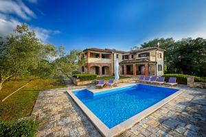 Villas Fabci by Istarski Dvori