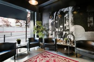 Ding Dong Fira Apartments, Apartments  Barcelona - big - 42