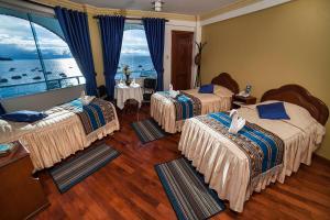 . Hotel Lago Azul