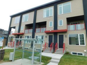 3 Bedroom House #37, Sunalta Downtown - Cochrane