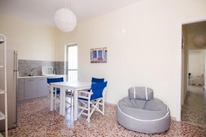 Spacious apartment on the beachfront, Dovolenkové domy  Melission - big - 2