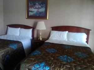 Victorian Inn, Motels  Cleveland - big - 8