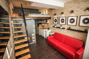 Studio 11 Apartments