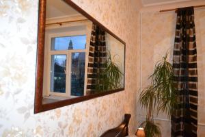 Hrushevsky Apartment Near The Theater, Apartmanok  Ternopil - big - 23