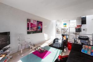 Exquisite and chic 2 bed 2 bath flat in Chelsea - Londyn