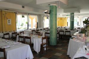 Hotel Azzurra, Hotels  Spinone Al Lago - big - 33