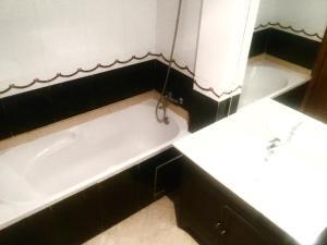 Appartement de luxe avec jardin privé., Appartamenti  Casablanca - big - 35