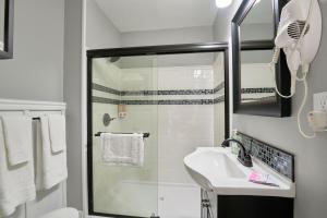 Yamhill Flats: Suite #3, Dovolenkové domy  Newberg - big - 6