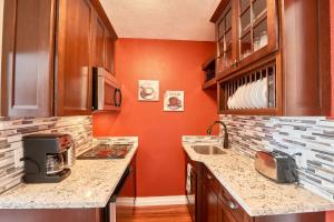 Yamhill Flats: Suite #3, Dovolenkové domy  Newberg - big - 9