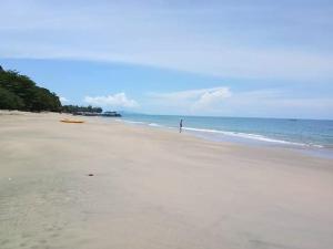 Jungle Hill Beach Bungalow - Siboya