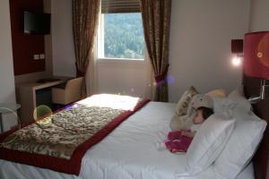 Camera Matrimoniale con Vista Valle e Accesso Spa