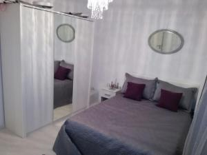 White Luxury Apartment, Apartmány  Sibiu - big - 19