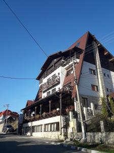 Magic Club - Hotel - Busteni