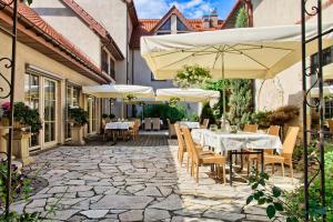 Villa Estera Hotel Restauracja