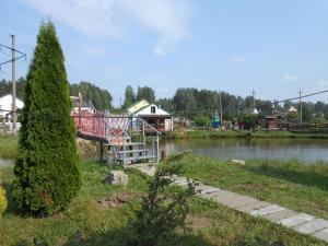 Domik v Borovlyanah, Vendégházak  Borovljani - big - 17