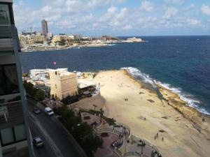 Med Malta De Redin Court