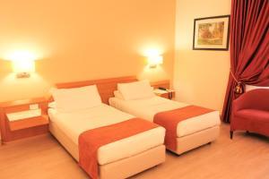 Best Western Mirage Hotel Fiera, Hotels  Paderno Dugnano - big - 99