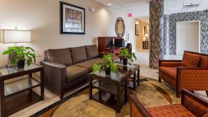 Best Western Airport Inn & Suites Cleveland, Отели  Брук-Парк - big - 27