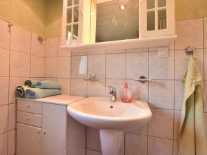 Gorgeous Holiday Home in Lutten Klein near the Sea, Nyaralók  Rostock - big - 8