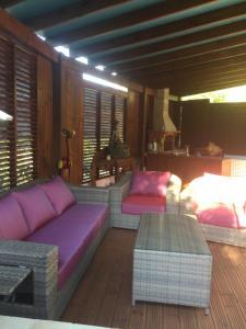 Chez Dolores, Bed & Breakfast  Le Bois de Nèfles - big - 14