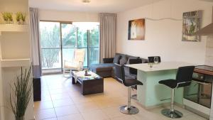 Apartments by The Sea in Herzliya Pituah, Haogen 4