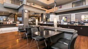 Best Western Plus Village Park Inn, Hotel  Calgary - big - 46
