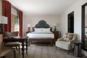 Royal Palms Resort & Spa (2 of 45)