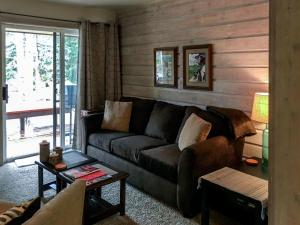 The Bluffs - Sweet Retreat, Дома для отпуска  Elkhorn Village - big - 22