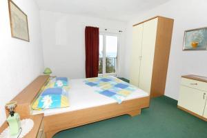 Triple Room Stara Baska 5447b
