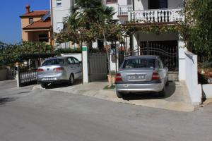 Apartments with a parking space Stinjan Pula 7201