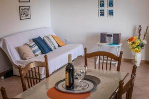 Apartments by the sea Rastici (Ciovo) - 4823, Apartmanok  Trogir - big - 5