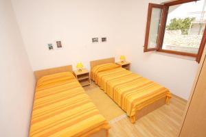 Apartments by the sea Rastici (Ciovo) - 4823, Apartmanok  Trogir - big - 6
