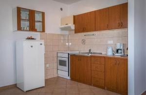 Apartments by the sea Rastici (Ciovo) - 4823, Apartmanok  Trogir - big - 8