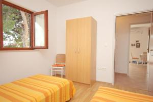 Apartments by the sea Rastici (Ciovo) - 4823, Apartmanok  Trogir - big - 10