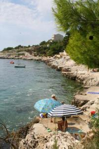 Apartments by the sea Rastici (Ciovo) - 4823, Apartmanok  Trogir - big - 30