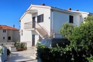 Apartments by the sea Rastici (Ciovo) - 4823, Apartmanok  Trogir - big - 22