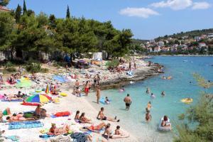 Apartments by the sea Rastici (Ciovo) - 4823, Apartmanok  Trogir - big - 21