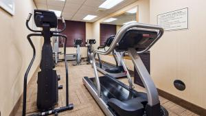 Best Western Airport Inn & Suites Cleveland, Hotely  Brook Park - big - 29