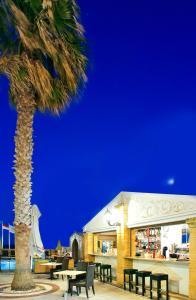 Grecian Castle Hotel (4 of 44)