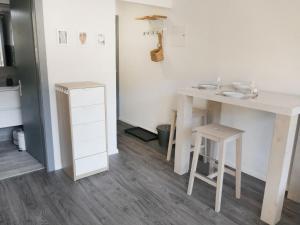 Apartment Rosablanche C12, Apartmány  Siviez - big - 9