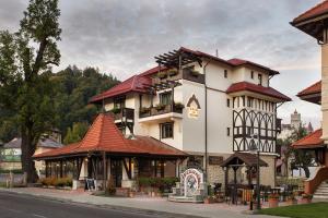 Casa Din Bran - Inn Cuisine, Penzióny  Bran - big - 1