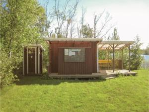 Two-Bedroom Holiday Home in Landsbro, Prázdninové domy  Landsbro - big - 16