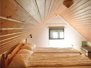 One-Bedroom Holiday Home in Landsbro, Prázdninové domy  Landsbro - big - 7