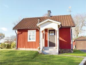 One-Bedroom Holiday Home in Landsbro, Prázdninové domy  Landsbro - big - 5