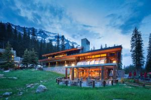 Moraine Lake Lodge - Hotel - Lake Louise